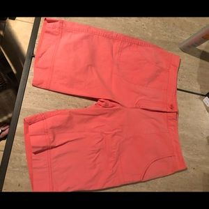 Tommy Bahama Bermuda shorts M great condition